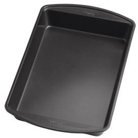 Wilton Perfect Results Oblong Cake Pan 33 x 22,5 x 5cm